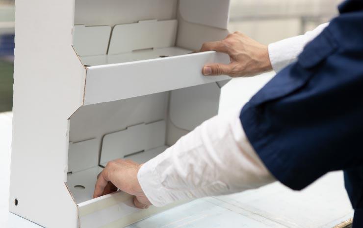 販売促進ディスプレイの組立・梱包・発送業務